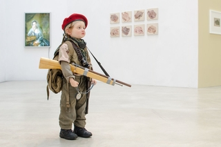 Kleiner Krieger, 2014, Mixed Media, Maße: 106 x 35 x 38 cm && little warrior, 2014, mixed media, 106 x 35 x 38 cm